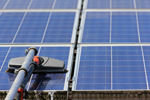 Cleaning solar moduls